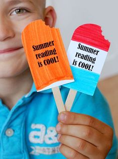 Make these popsicle bookmarks at the end of the school year to encourage summer reading.