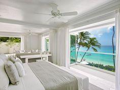 Chambre avec vue sur la mer dans la villa Footprints. Plus de photos sur Côté Maison http://petitlien.fr/8215