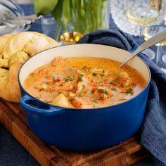 Helmeny – fisksoppa, ostknyten och äppelsmulpaj | Maud Onnermark Thai Red Curry, Ethnic Recipes, Food, Gluten, Recipe, Hoods, Meals