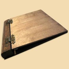Presentation Binder made of wood with 4 rings inside