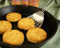 Our 4 ingredient Hot Water Cornbread features Glory Foods delicious Cornbread Mix! Cooking Bread, Bread Baking, Cornbread Mix, Cornbread Recipes, Cornbread Dressing, Baking Recipes, Whole Food Recipes, Southern Recipes, Southern Dishes