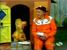Ray Raynor and Cuddly Duddly. I absolutely loved this.... a Chicago classic. I was heartbroken when he stopped doing the show.