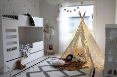 Tiipii teltta lastenhuoneessa tuo ihanaa tunnelmaa tilaan ja tarjoaa mainion paikan leikeille tai vaikkapa päiväunille.