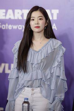 28 Most Beautiful Photos of Red Velvet Irene Do you love irene? Irene is a member of K-pop girl Red Velvet Irene, Seulgi, Ulzzang Girl, Asian Woman, Kpop Girls, Korean Girl, Korean Fashion, Like4like, Womens Fashion