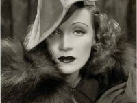 Marlene Dietrich, the epitome of Old Hollywood Glam. Old Hollywood Glamour, Golden Age Of Hollywood, Vintage Hollywood, Hollywood Stars, Classic Hollywood, Hollywood Icons, Hollywood Photo, Marlene Dietrich, Vintage Beauty