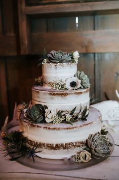 Real Wedding Inspiration | Rustic Wedding Cake | Grey, Dusty Blue & White | Barn Wedding | Winter Wedding | Gray | Photographer: Snap Chic Photography