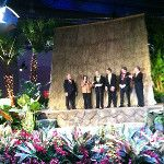 PHS Pres Drew rockin it out at the #FlowerShow : http://twitpic.com/8rn82w