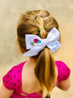 Items similar to Floral handtied bow - embroidered hair bow - pinwheel bow - baby hair bow - floral hair bow - custom hair bow - hair bow - girls hair bow on Etsy Easy Toddler Hairstyles, Childrens Hairstyles, Baby Girl Hairstyles, Hairstyles For School, Braided Hairstyles, Kids Hairstyle, Simple Girls Hairstyles, Teenage Hairstyles, Girl Hair Dos
