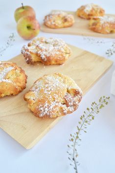 Schnelle Apfel-Taler – Ihrsinn The Effective Pictures We Offer You About nutella pastry A quality picture can tell you many things. Pastry Recipes, Baking Recipes, Easy Cake Recipes, Dessert Recipes, Dessert Blog, Breakfast Recipes, Food Cakes, Cream Recipes, Chocolate Recipes