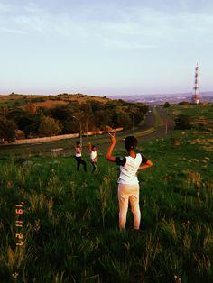 Dolores Park, Clouds, Couple Photos, Couples, Storage, Travel, Couple Shots, Purse Storage, Viajes