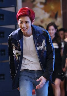CHANYEOL WITH RED HAIR~ it's sooooo cute!
