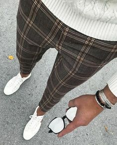 Definitely digging these #pants with the #fall look. Change out the shoes and it could be an outfit all #winter long.   #fashion #style