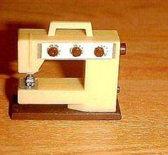 Lundby vintage sewing machine
