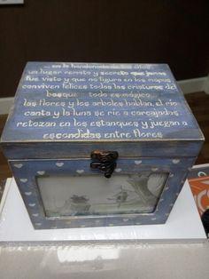 Caja pintada a mano por Creativos Scrap