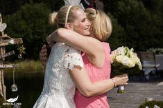 Hochzeit Winterstellgut Annaberg - Nina & Jürgen - Foto Sulzer Blog Girls Dresses, Flower Girl Dresses, Winter, Wedding Dresses, Flowers, Blog, Fashion, Pictures, Engagement