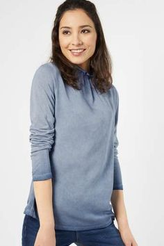 Shirt mit Kragenrüsche Laila