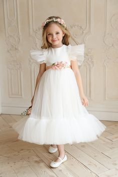 Informations About Flower girl dress, Dusty rose girl dress, Tulle blush flower girl dress, girl dre Blush Flower Girl Dresses, Dusty Rose Dress, Girls Dresses, Première Communion, Rose Girl, Dress Picture, Tulle Dress, Buy Dress, Dress Making