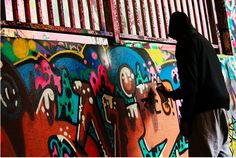 Catching graffiti artists in action...From No 36. All the little London things in between.