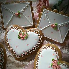 Love letter Valentines by Teri Pringle Wood Meringue Cookies, Iced Cookies, Cute Cookies, Royal Icing Cookies, Cookies Et Biscuits, Sugar Cookies, Valentines Day Cookies, Valentines Day Treats, Valentine Cookies