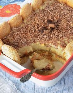 Vanilla, dulce de leche and pastry dessert - Yummi - Postres Easy Snacks, Easy Desserts, Cinnamon Banana Bread, Dessert Blog, Pastry And Bakery, Breakfast Cake, Sweet Recipes, Food And Drink, Baking