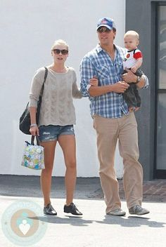 Even Ali Larter Loves our classic thermal tote!