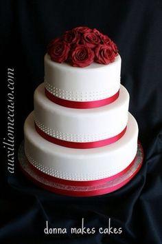 Pastel foundant para bodas en rojo!! Bellísimo!!