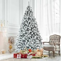 The Holiday Aisle® Snowy Avalanche 7.5 Green Spruce Artificial Christmas Tree with 600 Clear Lights & Reviews | Wayfair