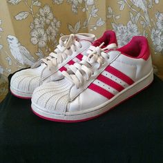 7900ca31e00e Pink   White Adidas Superstar In great condition