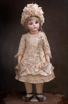 Beautiful French Bru Jne antique Bebe