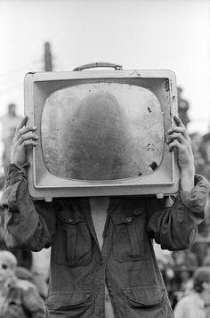 Don Hudson - Kill Your Television. Tachisme, Magritte, Jamel Shabazz, Nam June Paik, Object Heads, Tv Head, Pop Art, Photocollage, Arte Pop