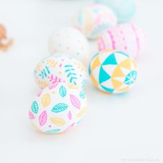 mrwonderful_huevos-de-pascua-post-9-2 Easter Egg Crafts, Easter Eggs, Ostern Party, Diy And Crafts, Arts And Crafts, Ideas Para Fiestas, Egg Decorating, Festival Decorations, Happy Easter