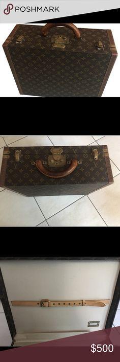 Louis Vuitton suit case Brown Louis Vuitton suit case. Very good shape. Other