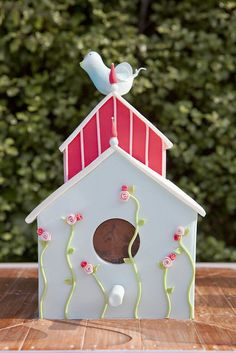 Julia's Bird House by Sweet Tiers, via Flickr
