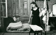 Το κορίτσι με τα μαύρα: Μια θρυλική ταινία του Ελληνικού Κινηματογράφου όπου έμεινε στην ιστορία - Ελληνικος κινηματογραφος Total Black, Black And White, Greek, Cinema, Style Inspiration, Youtube, Movies, Dresses, Fashion