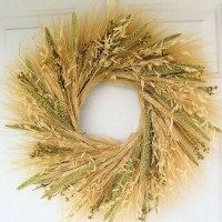 This Mixed Grain Wheat Wreath has a variety of blond wheat, natural oats, light green millet. They are beautiful on any door or above any fireplace. Also consider matching this product to our Mixed Wheat Bundle made of the same materials. Wheat Centerpieces, Wheat Decorations, Rustic Wedding Centerpieces, Centerpiece Ideas, Wedding Rustic, Wheat Wedding, Wedding Ideas, Fresh Wreath, Dried Flower Wreaths
