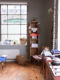 Plywood flooring & grey walls -  by la Casita (alessandra ), via Flickr