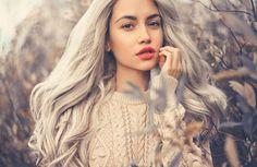 Graue Haare: Bloß nicht färben oder tönen! Sie sind im Trend!