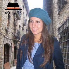 Boina juvenil y muy cálida para este invierno 2015. www.fortyhats.com #moda #sombreros # fashion #hats
