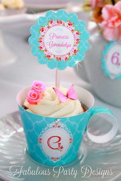 Cupcakes at a Princess Party #princess #partycupcakes