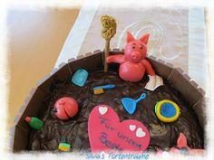 Silvia's Tortenträume: Schweine Fondant Marzipan Matschkübel Matschtrog Giotto Sahne Marzipan-Schwein  Kuchen Torte Cake  Motivtorte Kitkat Putzsachen Putzfimmel Eimer Lappen