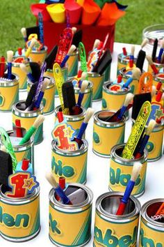 Having a crayola party and looking for some fun and great ideas for the kids to take home as party favors? We have gathered up some of the best crayola party favor ideas. Art Party Favors, Party Invitations Kids, Craft Party, Party Themes, Party Ideas, Kids Paint Party, Painting Party Kids, Crayon Birthday Parties, Art Birthday