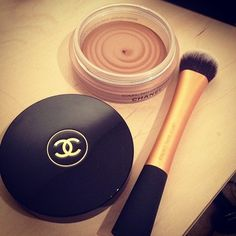 chanel soleil tan de chanel is magic. gives a nice subtle glow & allows one to look like they've seen sun recently. plus, who doesn't want a double c embossed item on their vanity...I want to try this so bad!