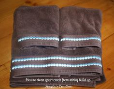Kayla's Creations: Cleaning Tip: How to deep clean bath towels C vinegar, hot water, then wash C baking soda, hot water** (baking soda laundry tips) Clean Freak, Me Clean, Diy Cleaning Products, Cleaning Solutions, Deep Cleaning, Cleaning Hacks, Spring Cleaning, Cleaning Challenge, Cleaning Recipes