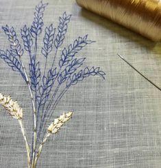 Nouveau tissu, nouveau fil ! 😍✌ (Lin très fin et transparent + rayonne) . . . . . . . . #simply #simplicité #douceur #leaves #sweetness…