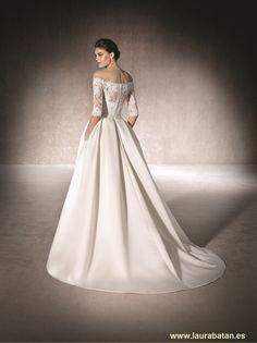 Elegant A-Line Wedding Dress Malca from San Patrick Collection. Elegant A-Line Wedding Dress Stratford. Princess Wedding Dresses, Wedding Gowns, Special Dresses, Formal Dresses, San Patrick, One Shoulder Wedding Dress, Ball Gowns, Elegant, Style