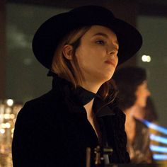 """""""[NEW] Villanelle Stills from a deleted """"You're Mine"""" scene. Pretty People, Beautiful People, Get Over Your Ex, Sandra Oh, Jodie Comer, My People, Cute Icons, Ohana, Role Models"""