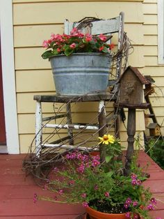country porch- I love this!!!!!!!!! #PrimitiveCountryDecorating