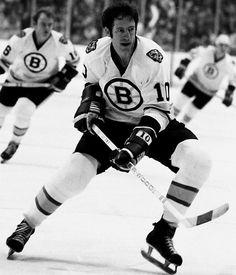 Jean Ratelle New York Rangers, Boston Bruins 1267 pts Hockey Stuff, Hockey Teams, Ice Hockey, Sports Illustrated Kids, Poke The Bear, Bobby Orr, Boston Bruins Hockey, Good Old Times, Boston Sports