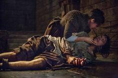 La violenza brutale e non gratuita di Outlander è orribilmente onesta ~ Outlander - La serie di Diana Gabaldon