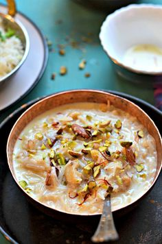 Rich, creamy and quick Indian dessert- This vermicelli pudding a.k.a seviyan kheer or semiya payasam is a favourite in my family. Perfect for fasting, Navratri or any vrat (upwas).